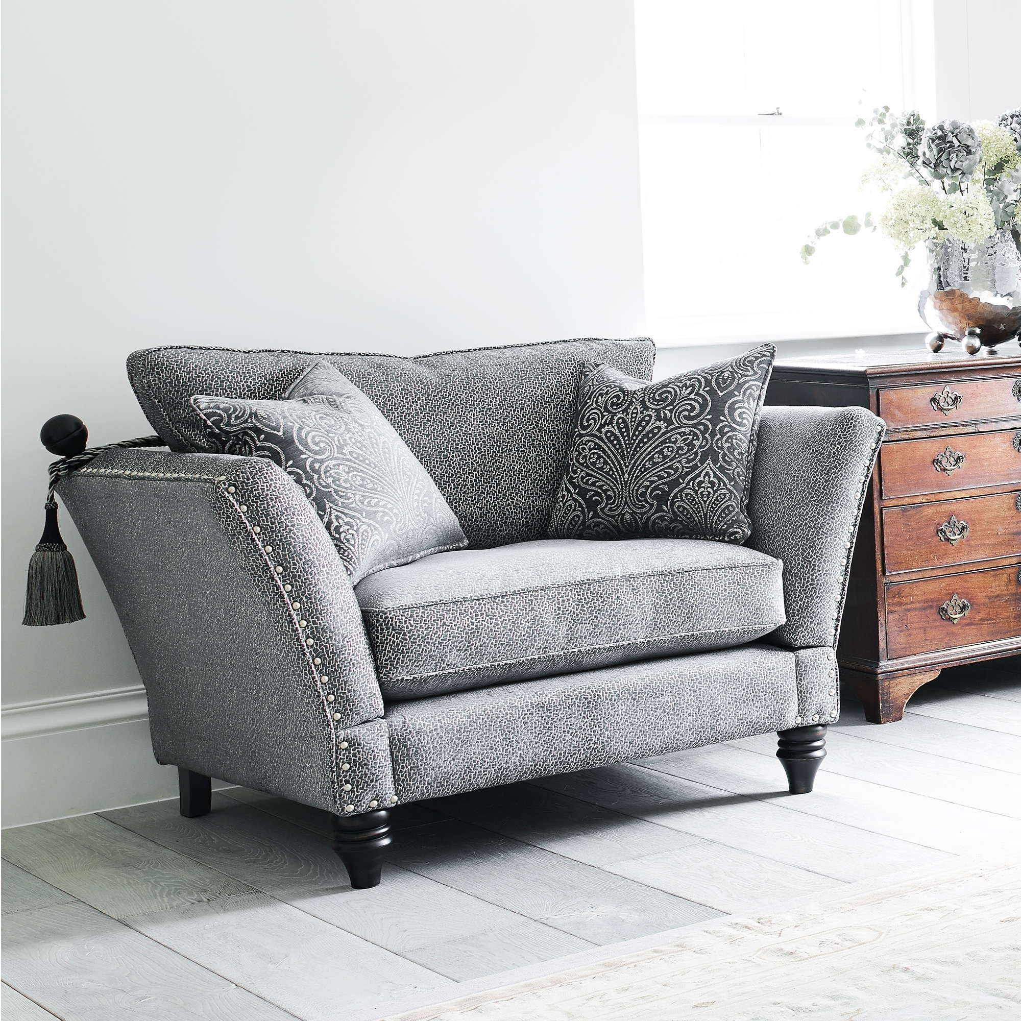 Divine Grand Knole Snuggler Chair All Chairs Cookes