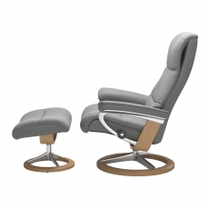 Stressless View Medium Chair & Stool Signature Base