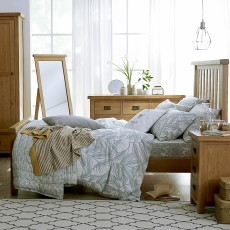 Cookes Collection Colchester Bedframe King Size (150cm)