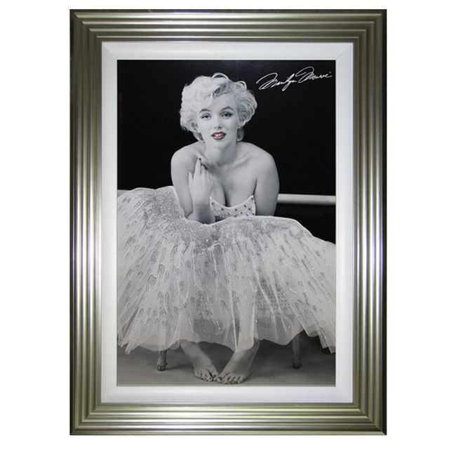 Marylin Ballerina Liquid Art